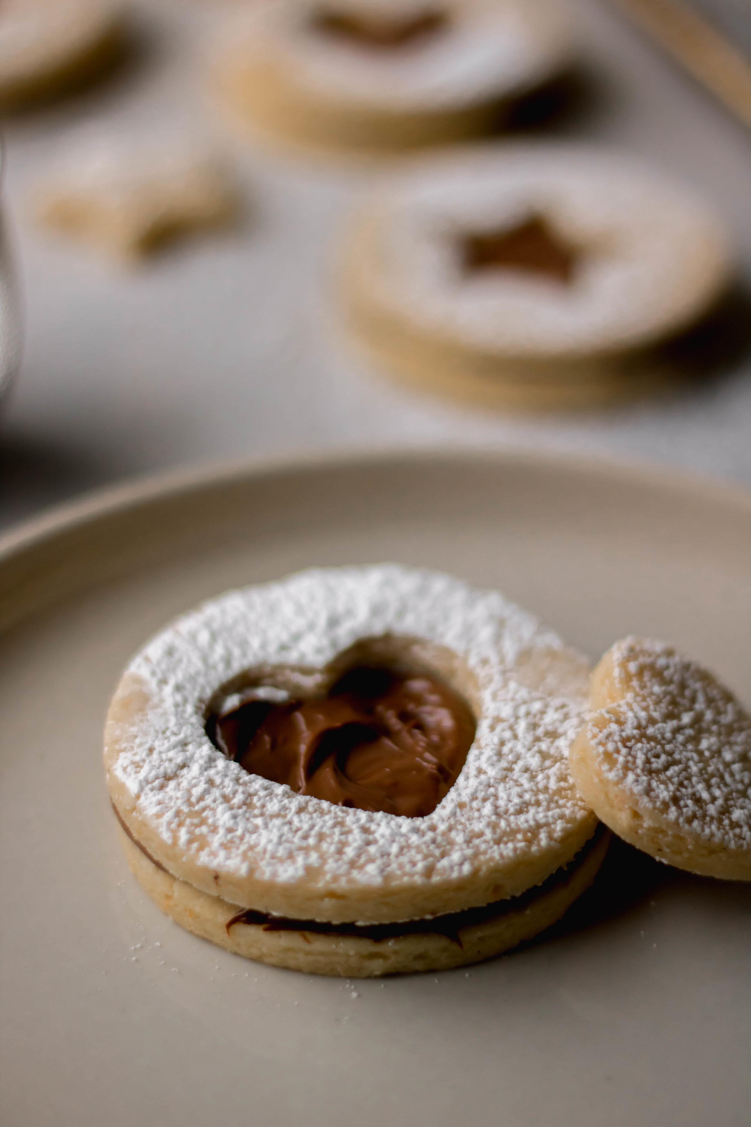 nutella linzer cookies